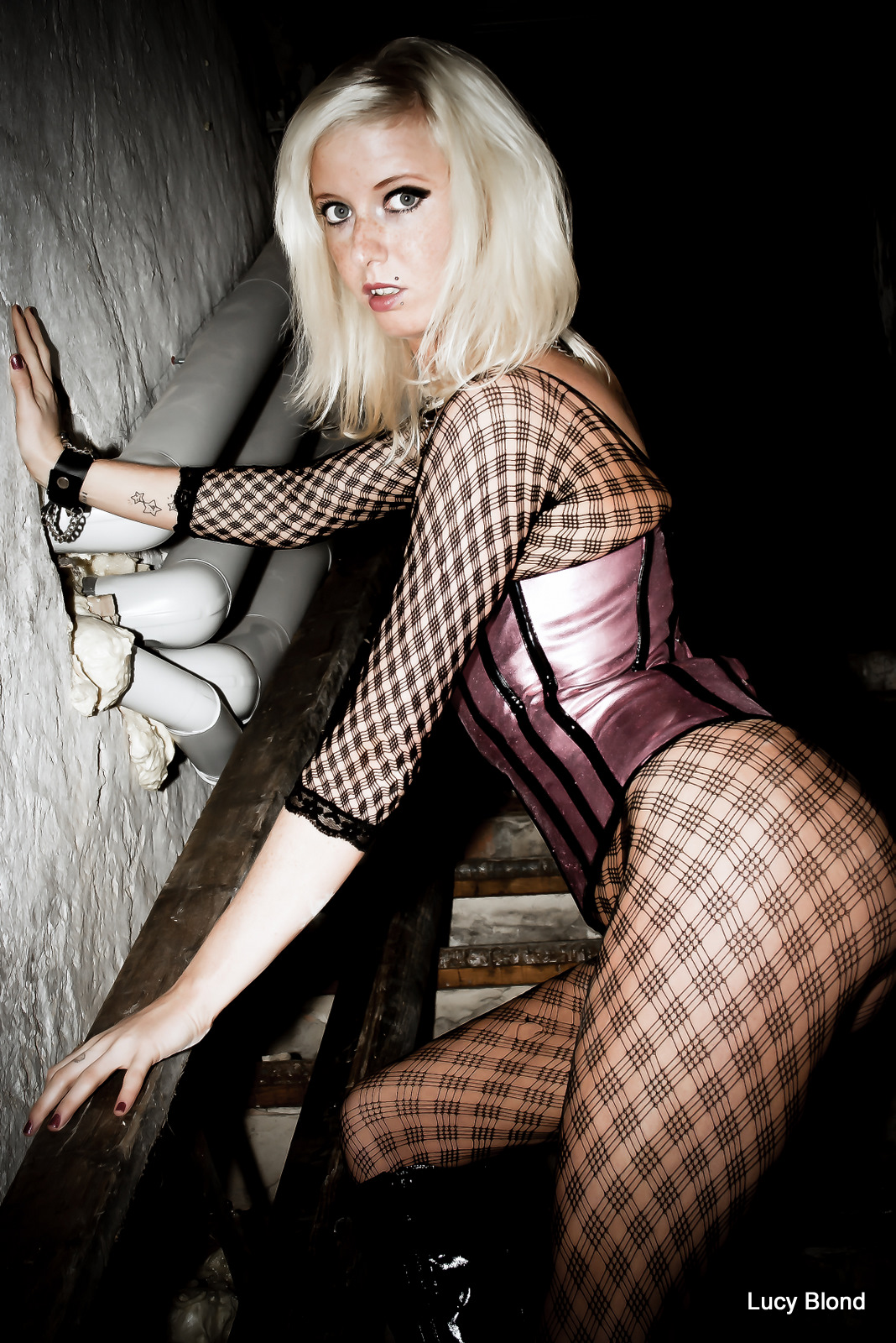 Lucy Blond 6