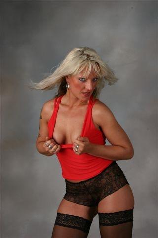 Donna Fernandez 5