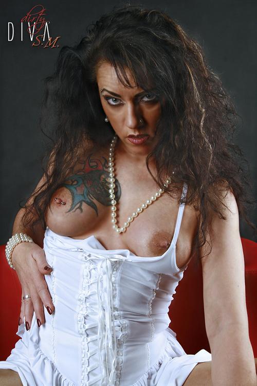Silke Maiden 5